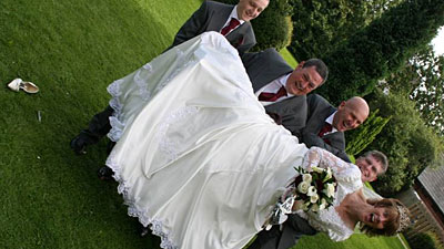 View the awful wedding photos from the wedding of Marc and Sylvia Day (story & photo from of Sky News)