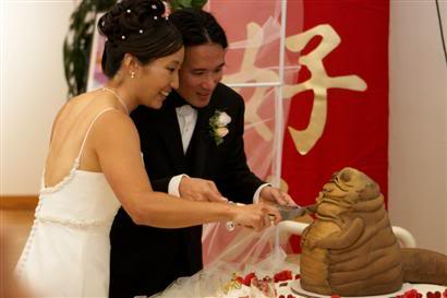 Jabba the Hutt Wedding Cake - phone from great white snark