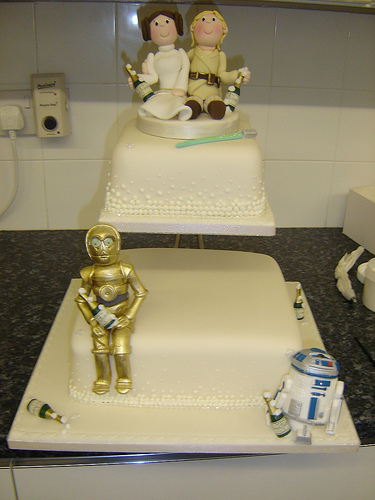 The 15 Coolest Star Wars Wedding Cakes GroomsAdvice.com