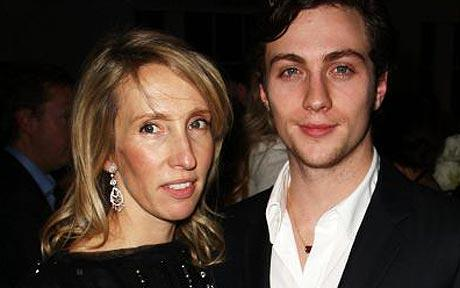 Sam Taylor Wood showed off her engagement ring last Thursday night in London. She is engaged to movie star Aaron Johnson