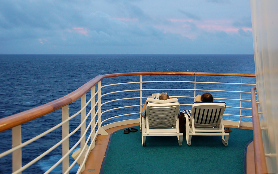 cruise vs all-inclusive honeymoon
