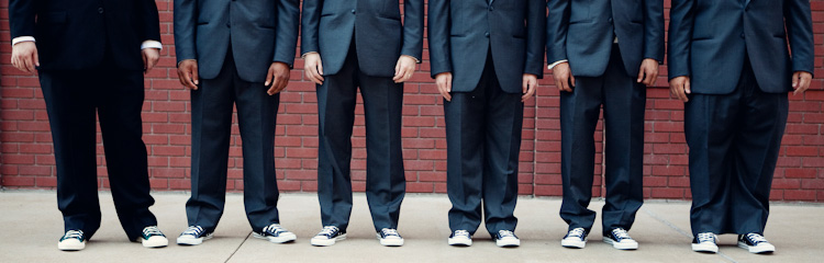 groomsmen lined up chucks