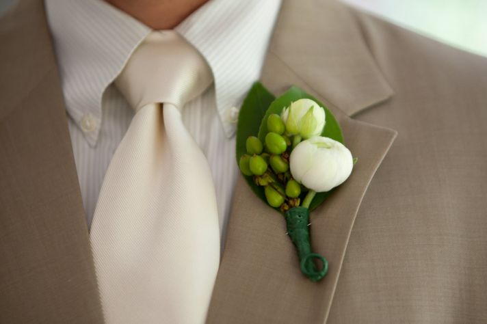 groom summer wedding accessories