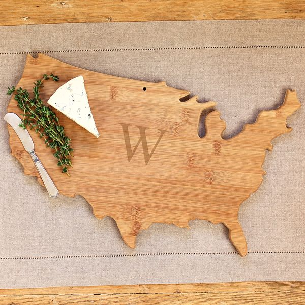 This personalized United States bamboo serving board is a perfect entertaining piece to add to your collection.