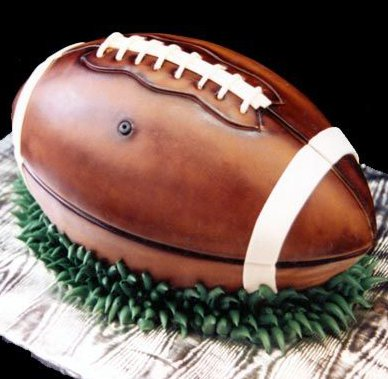 detail-football-grooms-cake