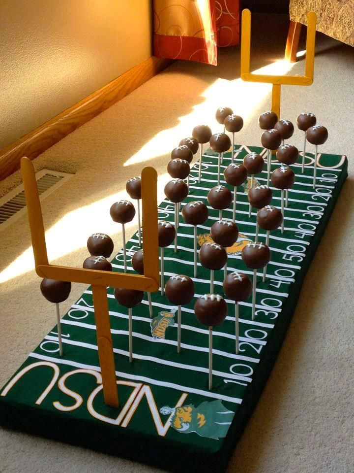 8 creative football themed groom s cake. Black Bedroom Furniture Sets. Home Design Ideas